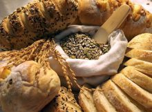 Auswahl an Lebensmitteln mit vielen Kohlenhydraten